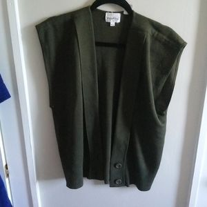 White stag vest wool green acrylic